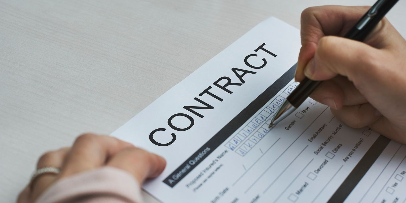 Confidentiality, non-disclosure or licensing contracts